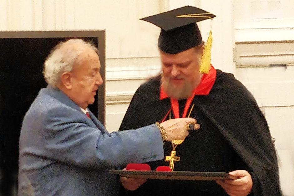 Председателю Экспертного совета присвоено звание Почетного академика РАХ