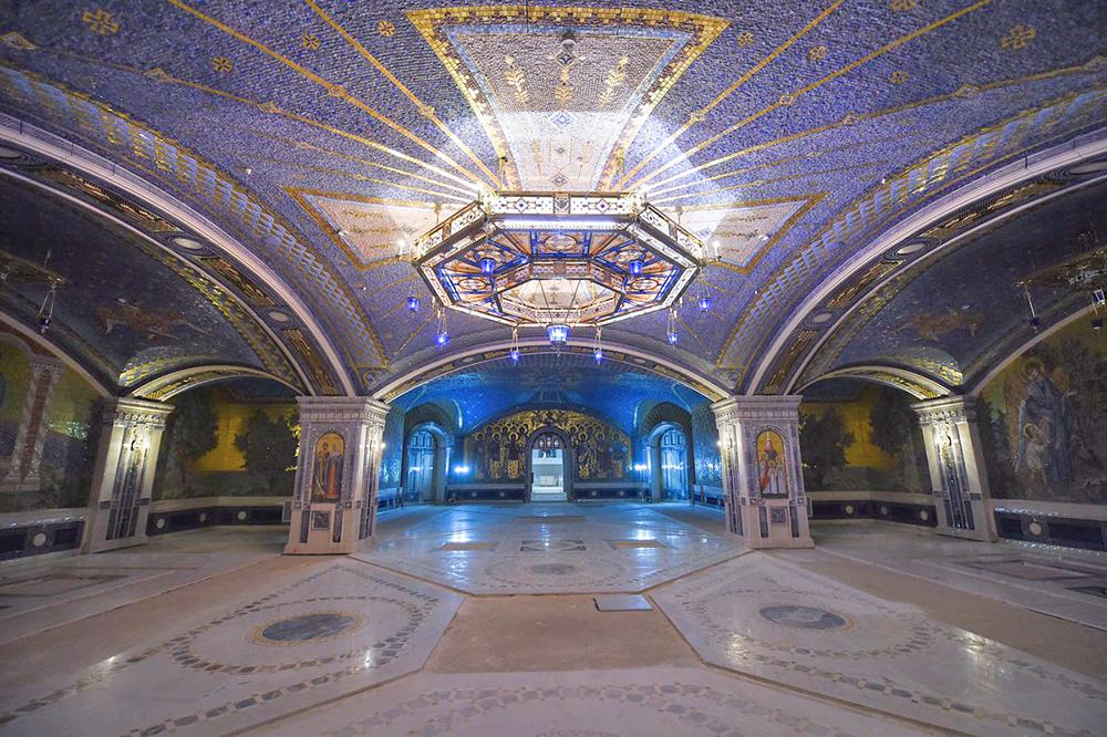 Военные строители завершили работы в нижнем храме главного собора ВС РФ
